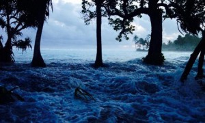 King Tide floods Marshall Islands' capital Majuro, 03 March 2014. Image: Alson J. Kelen via rtcc.org
